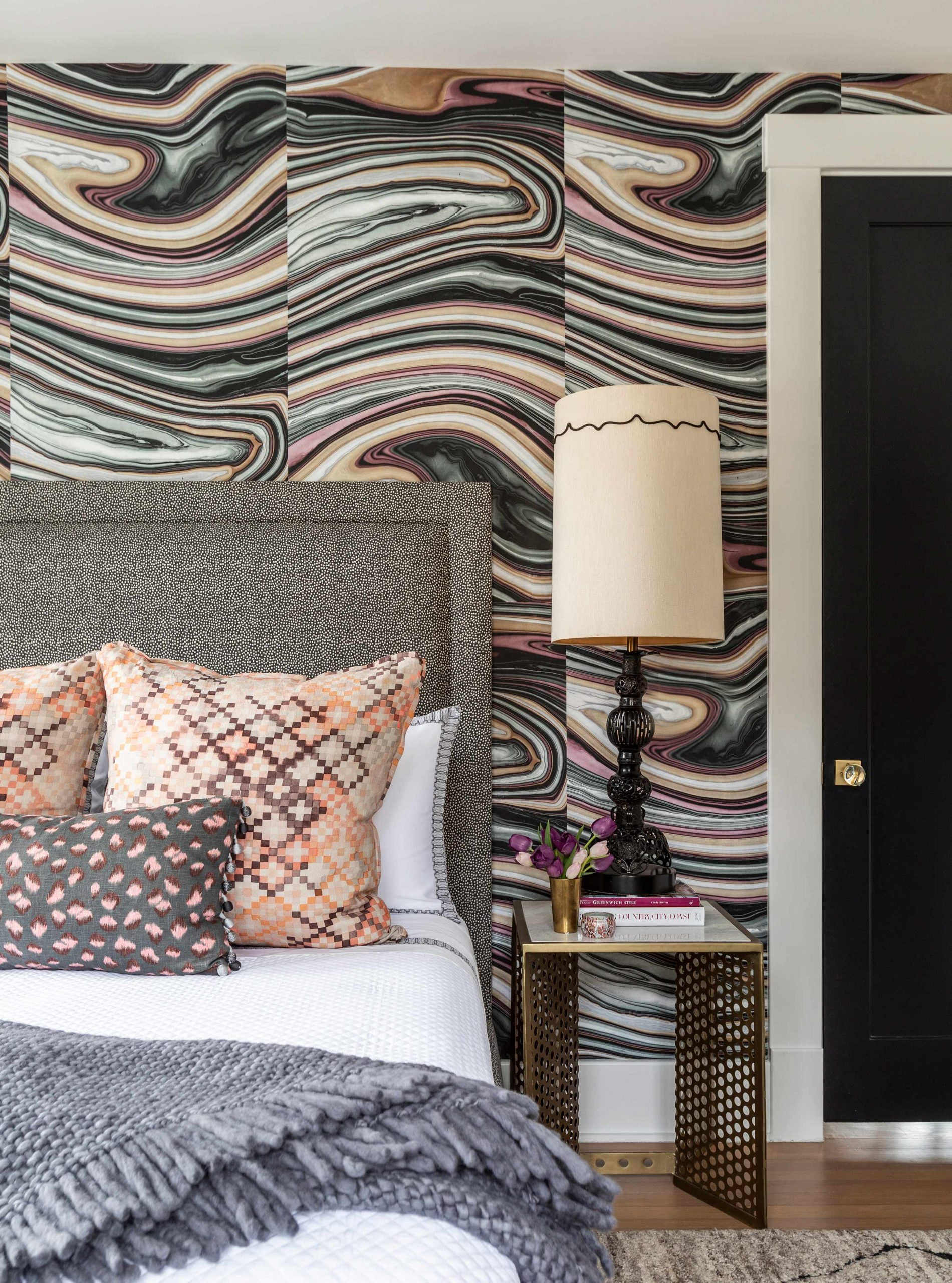Modern Pattern Bedroom Creative Tonic