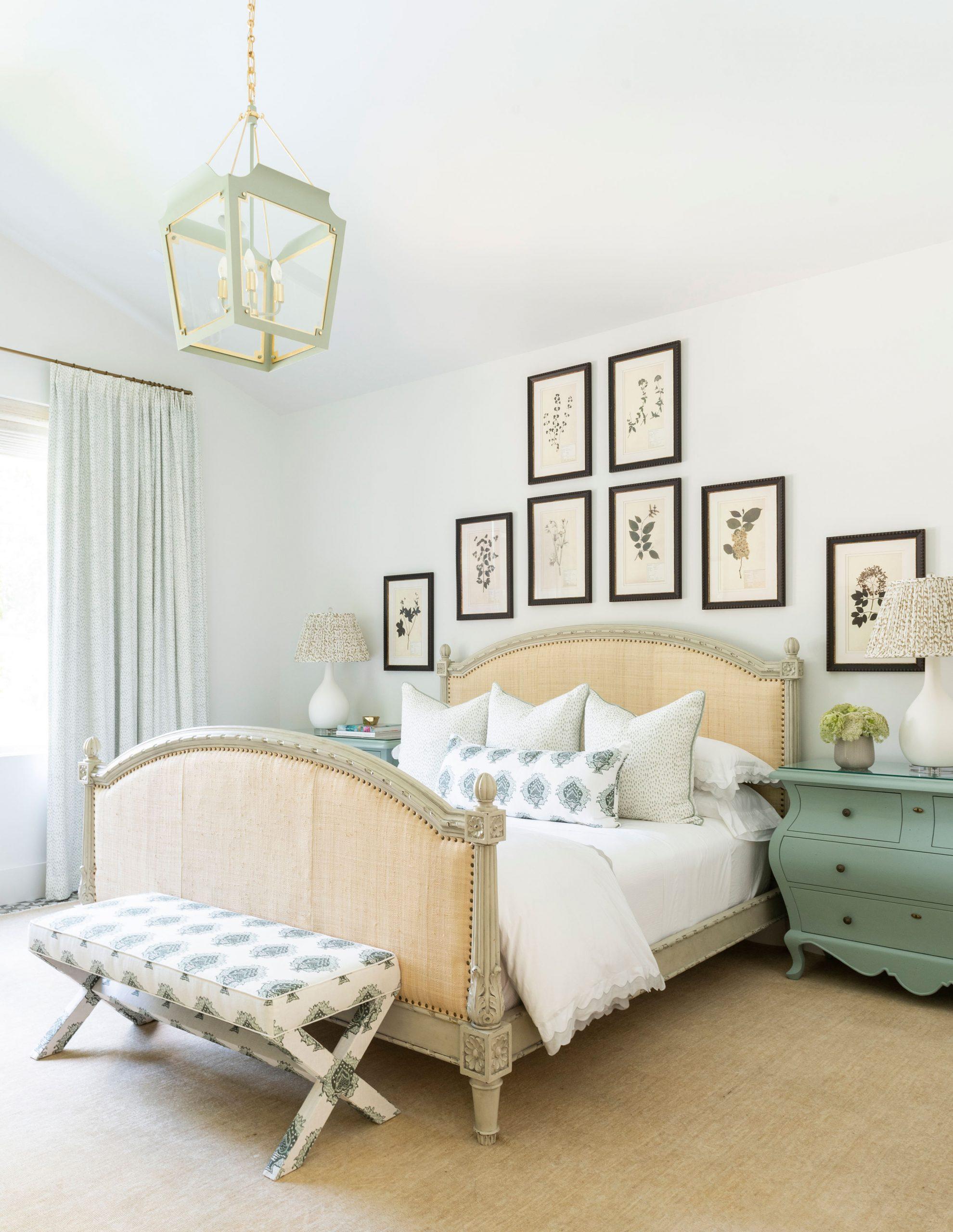 Traditional Bedroom Creative Tonic