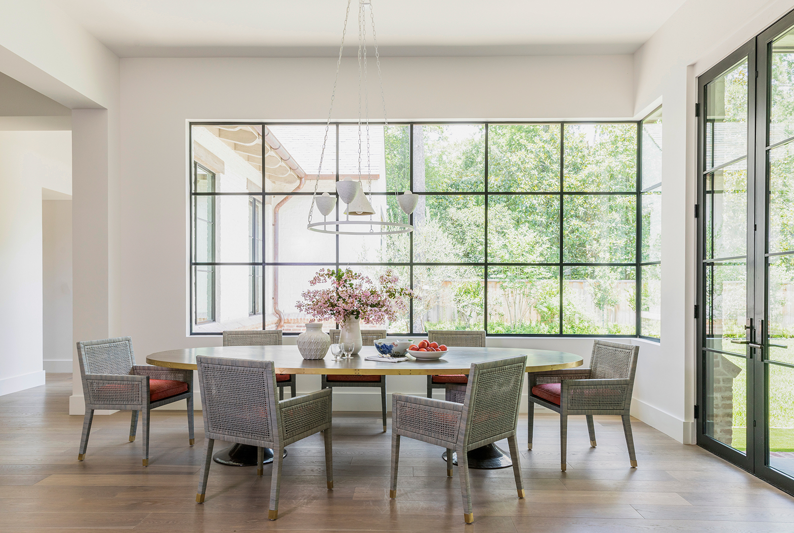 Modern-Dining-Room-Design-Houston-Creative-Tonic