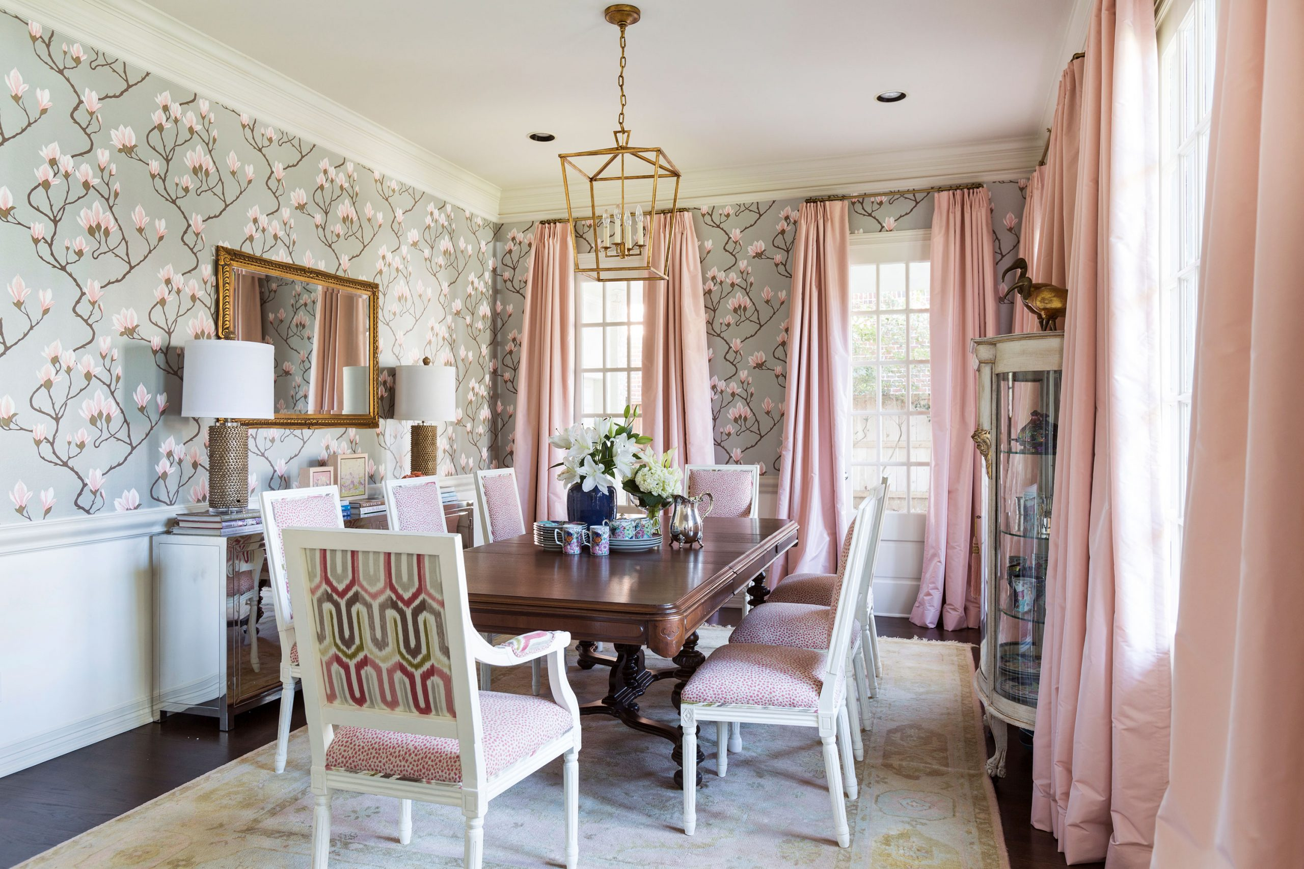 Floral-Pink-Dining-Room